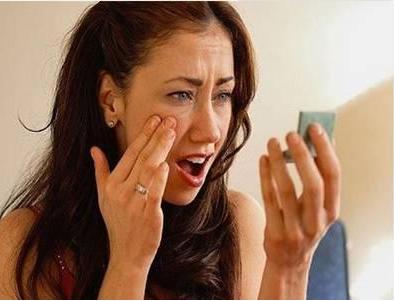 哪些不好的化妆习惯会对皮肤有伤害?用御颜修护套不怕化妆残留!-李氏明心